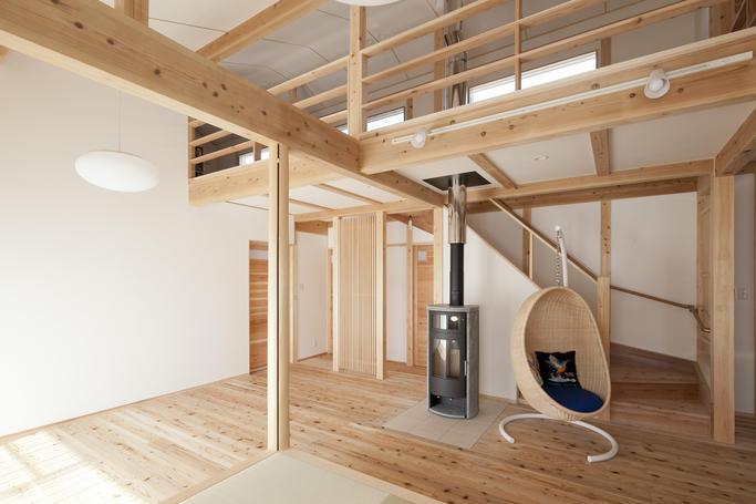 薪ストーブのある平屋風ワンフロアの家