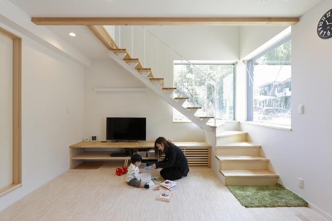 家事動線すっきり!リビング階段のあるサスティナブル住宅